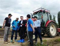 ロボット活用で変わる農業 完全無人運転のトラクター実用化も
